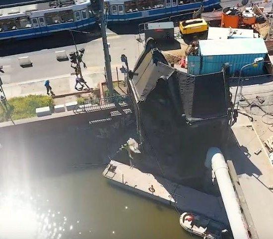 Wrocław: wzmacnianie gruntu pod strażnicami na moście Pomorskim