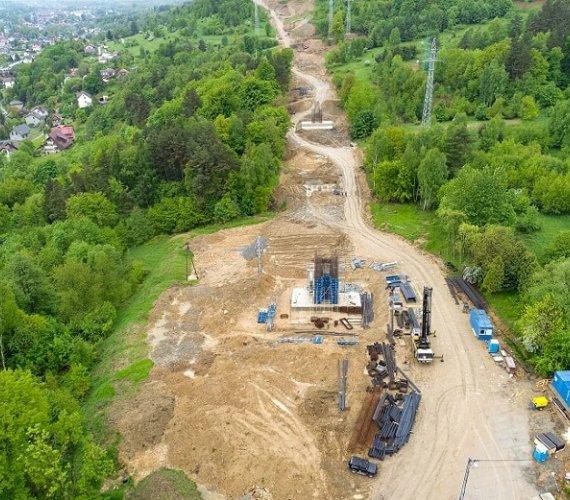 Przelot nad placem budowy drogi ekspresowej S1