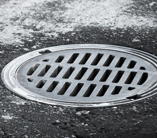 Nasiliły się kradzieże kratek i włazów kanalizacyjnych w Łodzi