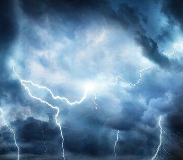 Nad Warszawą i okolicami przeszła burza z gradem