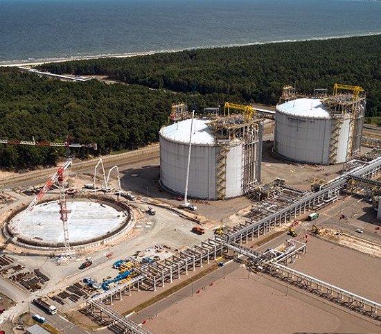 Rozbudowa terminalu LNG w Świnoujściu postępuje