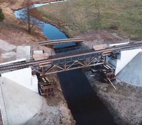 Przebudowa mostu nad Narewką – montaż przęsła