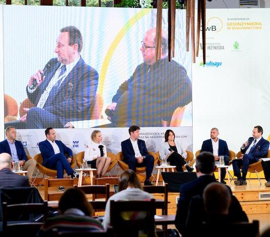 Konferencja GwB 2021 w oku kamery