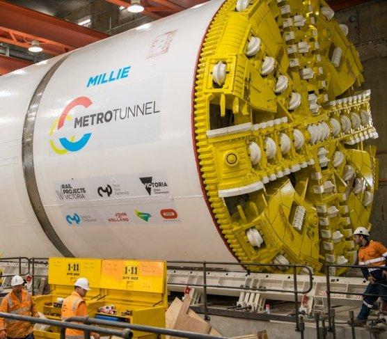 Ostatnia droga tarcz TBM, które wydrążyły tunel metra w Melbourne