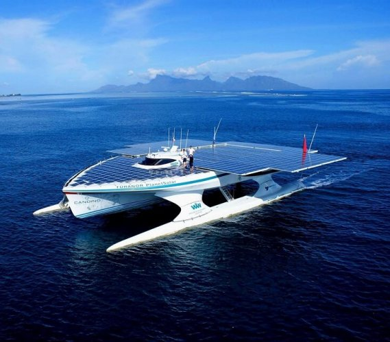 Oto największa na świecie łódź zasilana energią słoneczną