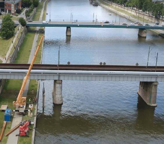 Budowa mostów kolejowych nad Wisłą w Krakowie
