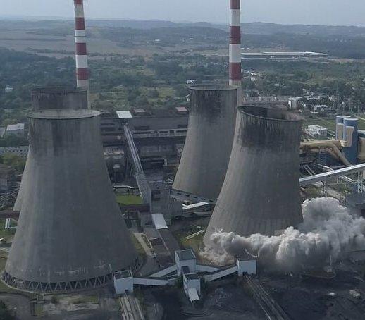 Elektrownia Łagisza: wyburzono chłodnię kominową
