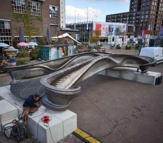 Pierwszy stalowy most drukowany w 3D już gotowy