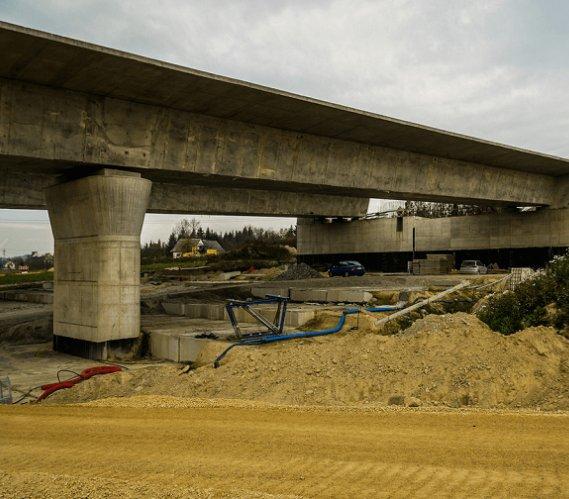 Na Zakopiance powstaje wiadukt drogowy