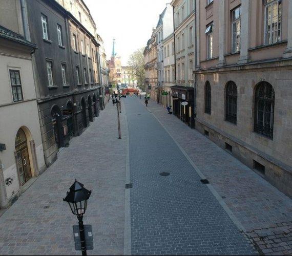 """""""Średniowieczna"""" ulica w Krakowie odnowiona"""