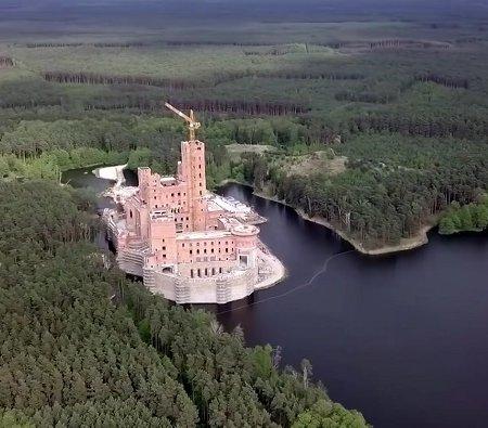 Tak teraz wygląda zamek w Stobnicy