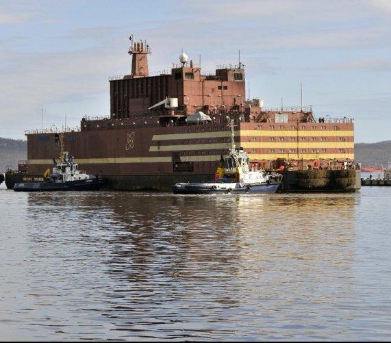 """""""Pływający Czarnobyl""""? Pierwsza pływająca elektrownia atomowa"""