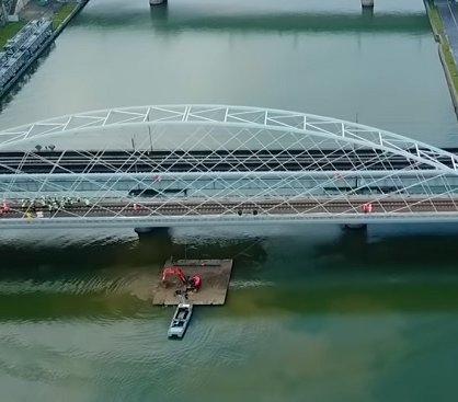 Kraków: próby obciążeniowe mostu kolejowego