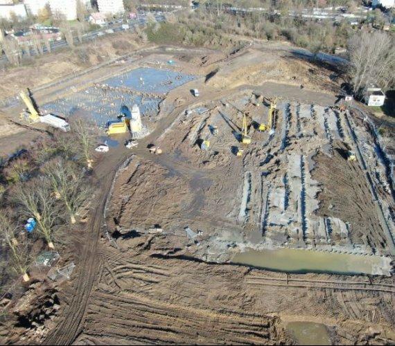 Fabryka Wody w Szczecinie: budowa postępuje, widać zarys budynków