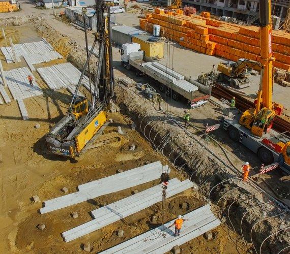 Pale prefabrykowane na budowie linii aglomeracyjnej w Opolu