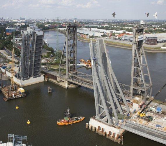 Jak powstawał jeden z najdłuższych mostów zwodzonych w Europie?