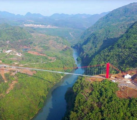 Nowy najdłuższy szklany most na świecie