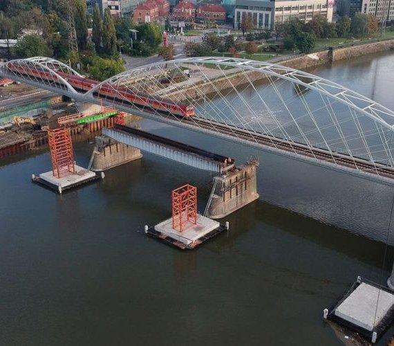 Demontaż mostu kolejowego nad Wisłą w Krakowie