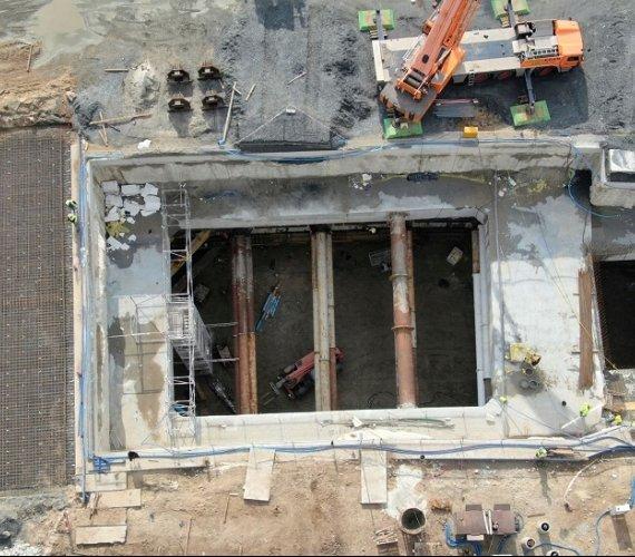 Komory, rampy, ciężki sprzęt – budowa tunelu w Świnoujściu nabrała rozpędu [wideo]