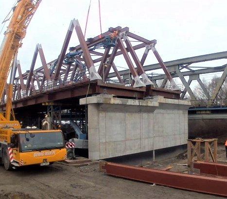 Budowa mostu kolejowego przez Wisłę