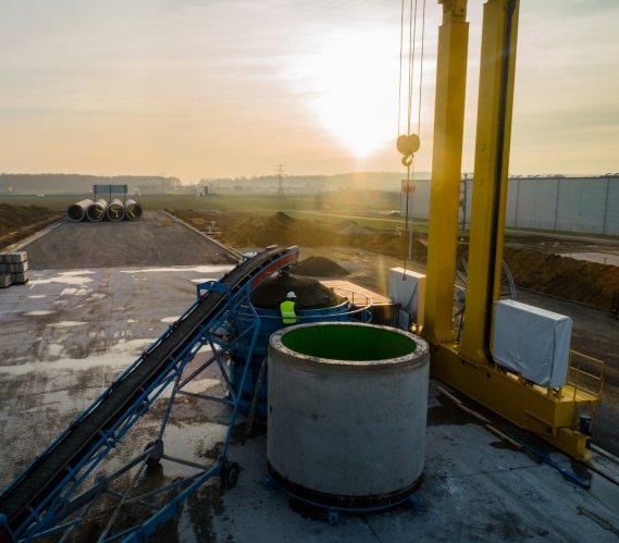 Jak powstają rury na budowę kolektora Wiślanego o średnicy 3,2 m?