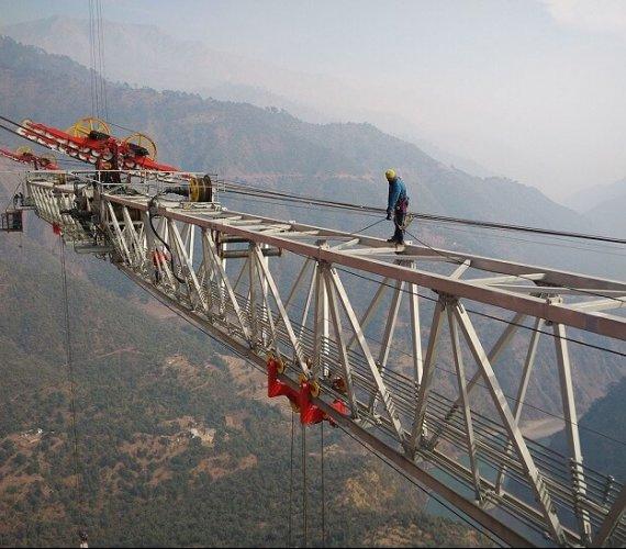 Kamień milowy na budowie najwyższego mostu kolejowego na świecie