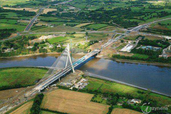 Most przez rzekę Suir w irlandzkim Waterford