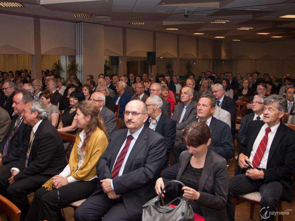 XXIV Międzynarodowa Konferencja Naukowo-Techniczna - DRILLING-OIL-GAS AGH 2013