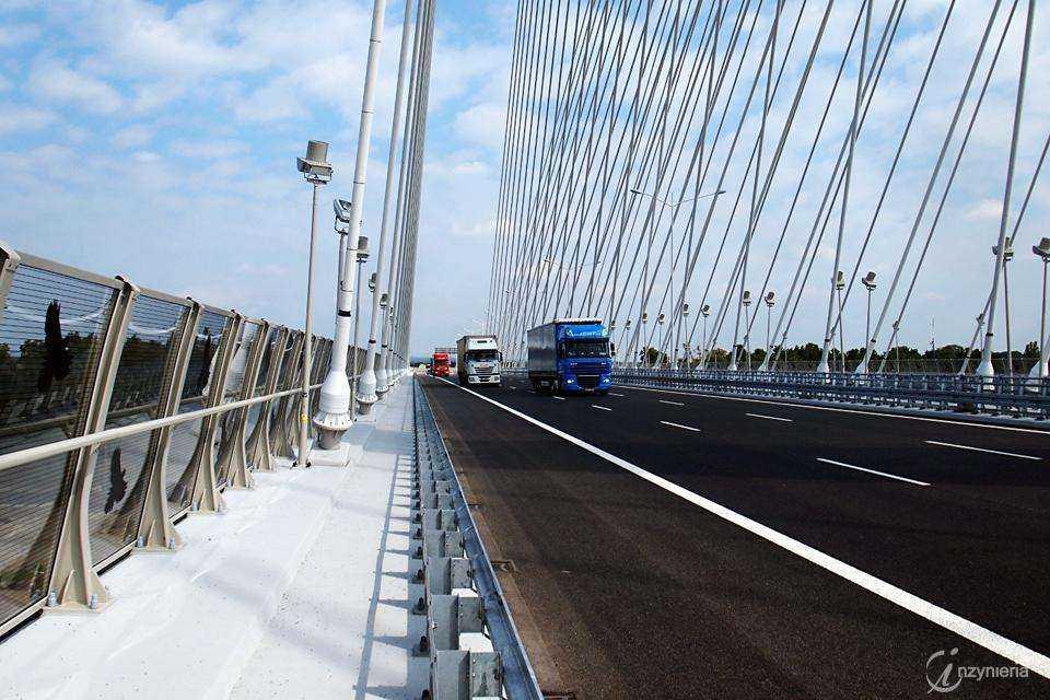 Most Rędziński w ciągu AOW