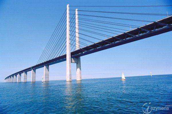 Ponad 40 mln aut przejechało przez most nad cieśniną Sund